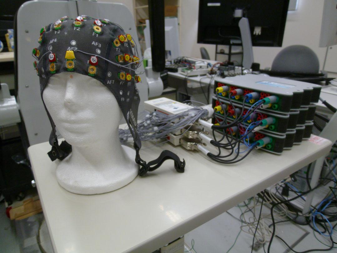多チャンネル脳波計